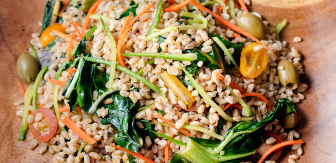 Mediterranean Farro Salad by Diverse Dinners