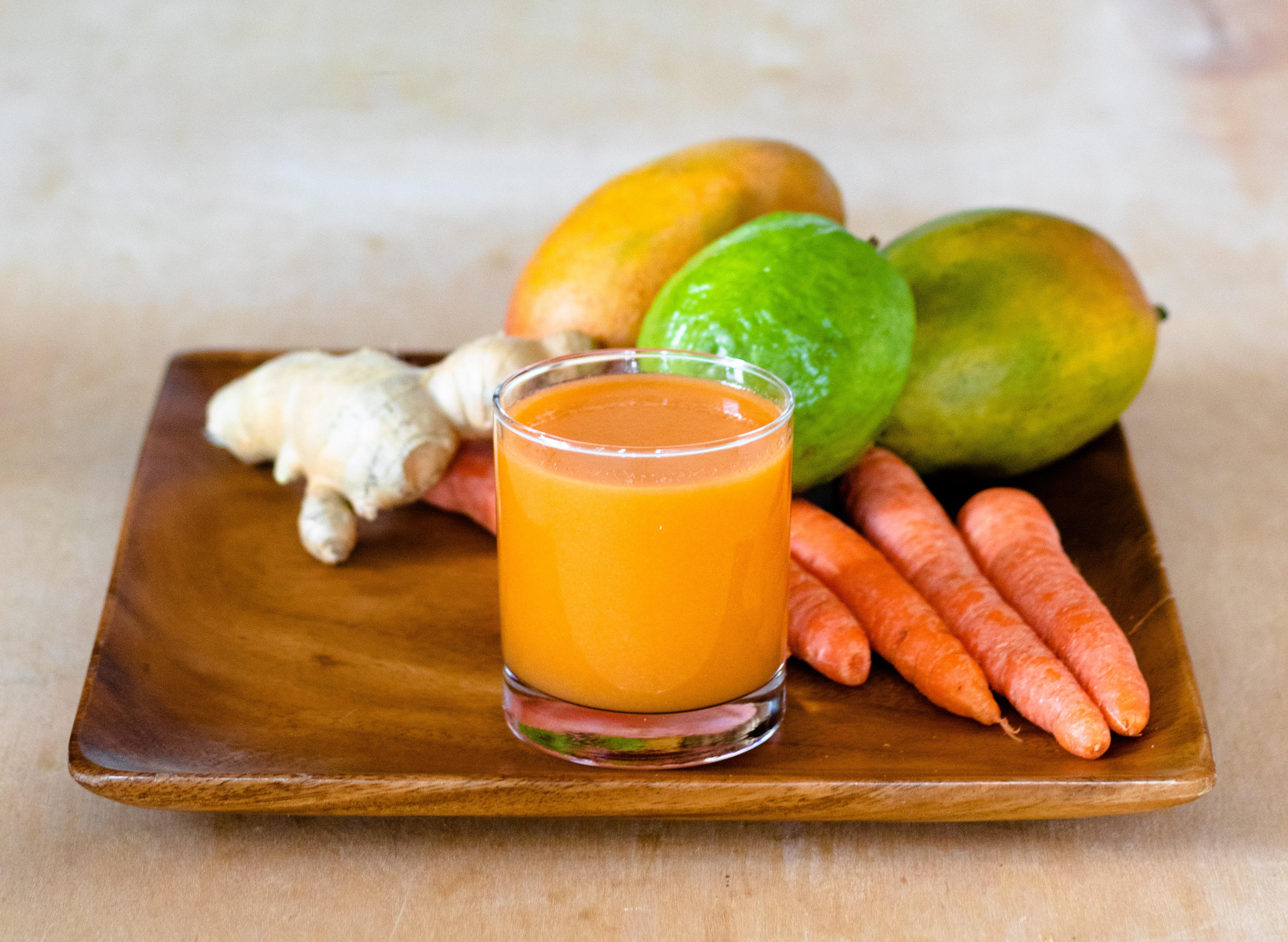 Guava Mango Carrot Juice | DIVERSE DINNERS